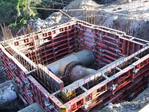 Lift-1-of-manhole-formwork-at-CH810---CS
