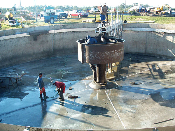 Concrete-protection-repairs-to-clarifier